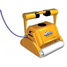 Робот за почистване на басейни